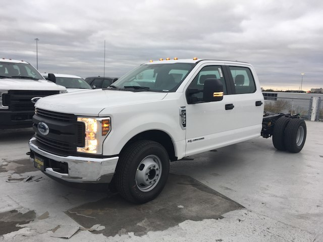 2019 F-350 Crew Cab DRW 4x2,  Cab Chassis #KED09815 - photo 3