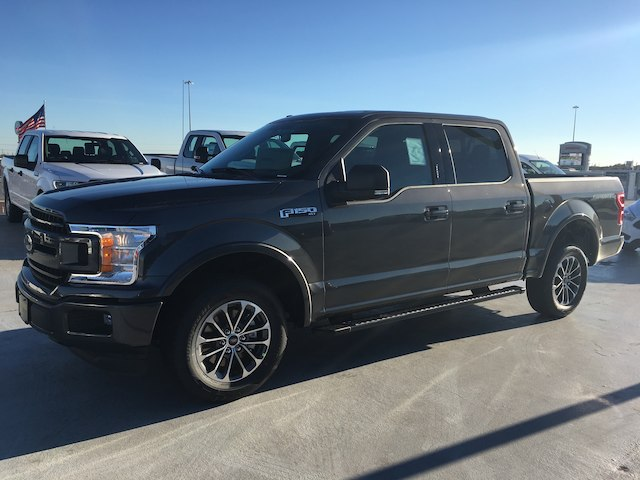 2018 F-150 SuperCrew Cab 4x2,  Pickup #VQ297 - photo 3