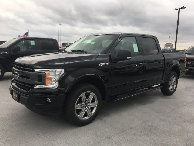 2018 F-150 SuperCrew Cab 4x2,  Pickup #VQ301 - photo 3