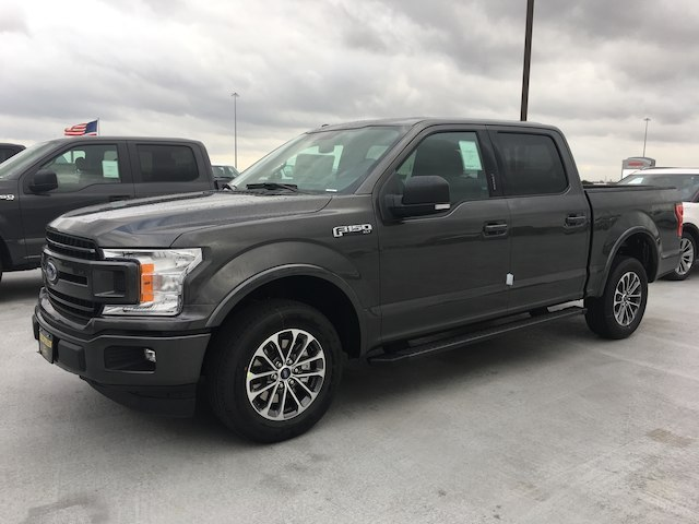 2018 F-150 SuperCrew Cab 4x2,  Pickup #VQ303 - photo 3