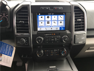 2018 F-150 SuperCrew Cab 4x4, Pickup #VQ352 - photo 10