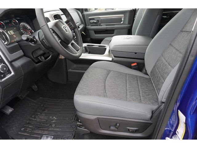 2018 Ram 1500 Crew Cab 4x4, Pickup #8332-18 - photo 4