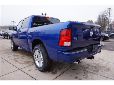 2018 Ram 1500 Crew Cab, Pickup #8348-18 - photo 2
