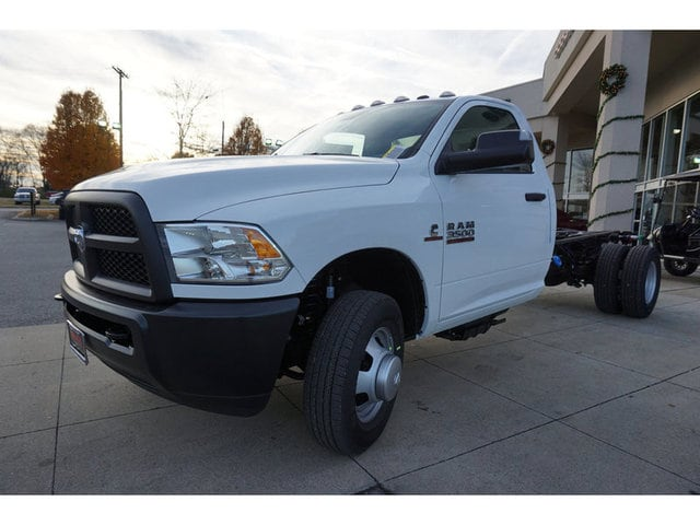 2018 Ram 3500 Regular Cab DRW 4x4,  Cab Chassis #8372-18 - photo 3