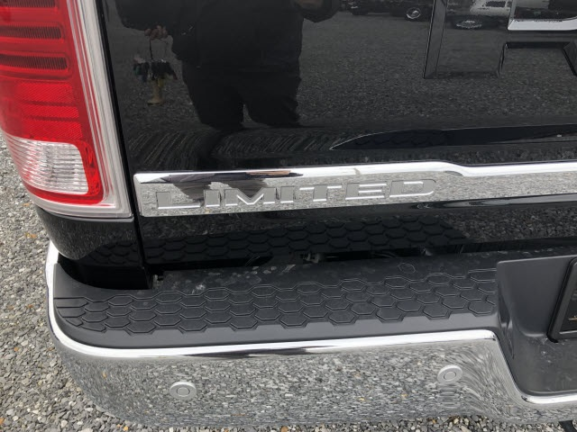 2018 Ram 3500 Crew Cab 4x4,  Pickup #429642 - photo 4