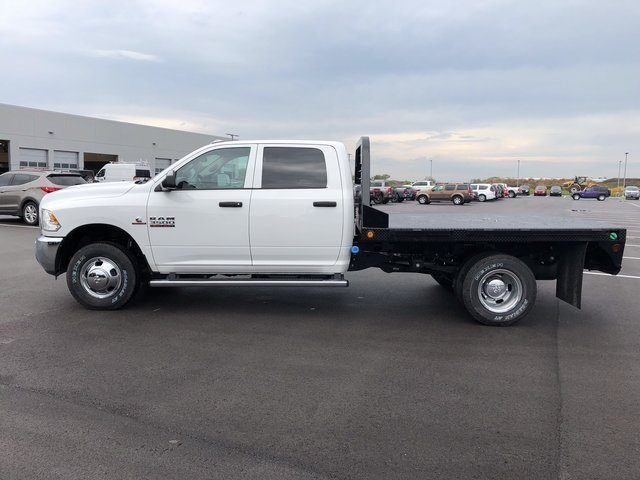 2017 Ram 3500 Crew Cab DRW 4x4, Platform Body #H2104 - photo 5