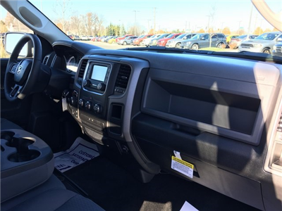 2018 Ram 1500 Crew Cab 4x4, Pickup #J2252 - photo 9