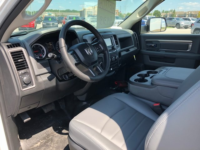 2017 Ram 3500 Regular Cab DRW 4x4,  Platform Body #T1676 - photo 10