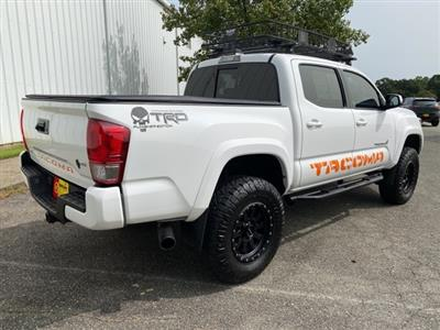 2017 Toyota Tacoma Double Cab 4x4, Pickup #NB76498A - photo 2