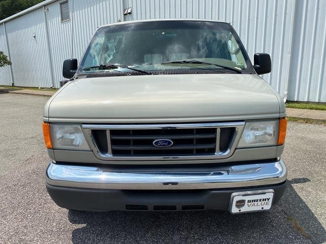 2006 Ford E-150 4x2, Passenger Wagon #NB85336A - photo 1