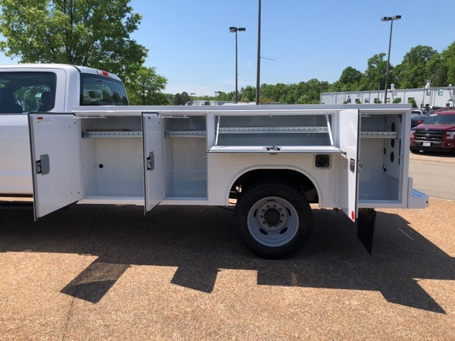 2018 F-550 Crew Cab DRW 4x4,  Reading Service Body #NC14062 - photo 10
