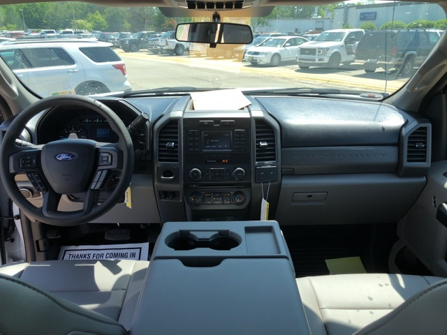 2018 F-550 Crew Cab DRW 4x4,  Reading Service Body #NC14062 - photo 13