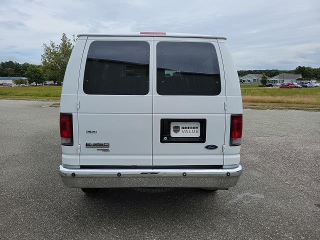 2008 E-350 4x2,  Passenger Wagon #NC42588A - photo 10
