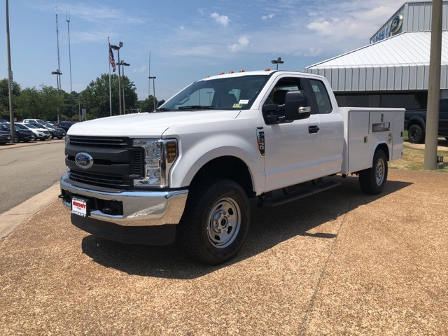 2018 F-350 Super Cab 4x4,  Reading Service Body #NC71098 - photo 4