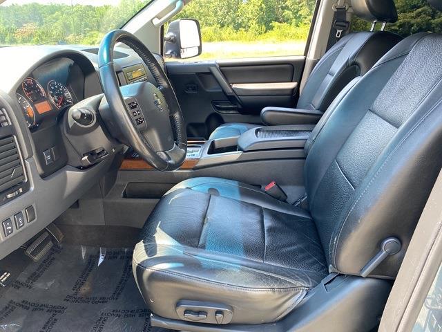 2012 Nissan Titan Crew Cab 4x4, Pickup #ND29126A - photo 10