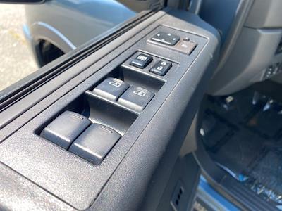 2012 Nissan Titan Crew Cab 4x4, Pickup #ND29126A - photo 17