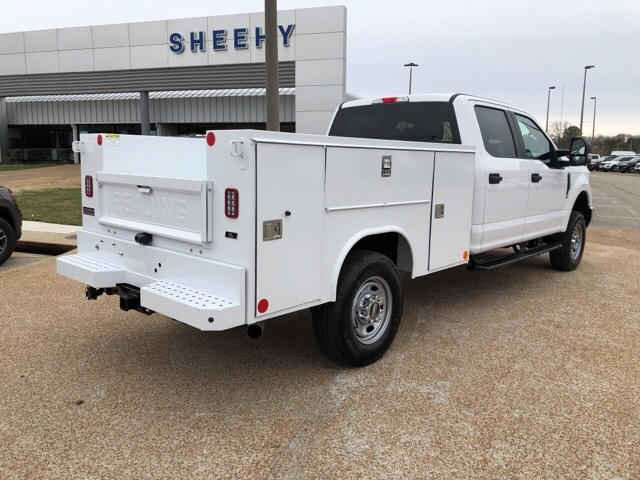 2019 F-250 Crew Cab 4x4,  Reading Service Body #NE28347 - photo 1