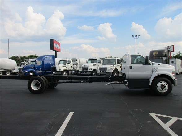 2018 F-750 Regular Cab DRW 4x2,  Cab Chassis #JDF03294 - photo 5