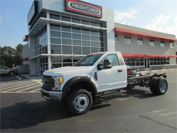 2018 F-450 Regular Cab DRW 4x2,  Cab Chassis #JEB94372 - photo 3