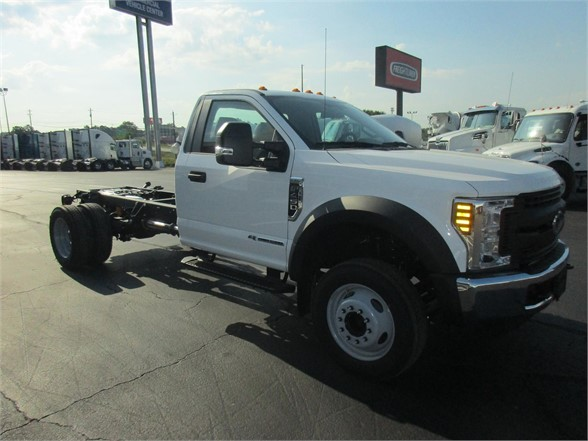 2018 F-450 Regular Cab DRW 4x2,  Cab Chassis #JEB94372 - photo 5