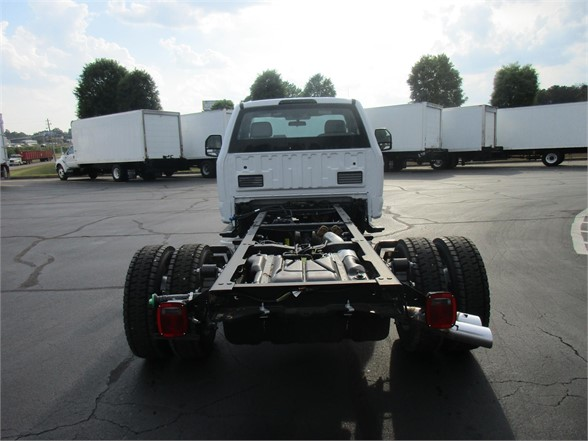 2018 F-550 Regular Cab DRW 4x2,  Cab Chassis #JEC16905 - photo 2