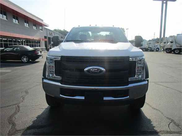 2018 F-550 Regular Cab DRW 4x2,  Cab Chassis #JEC16907 - photo 3