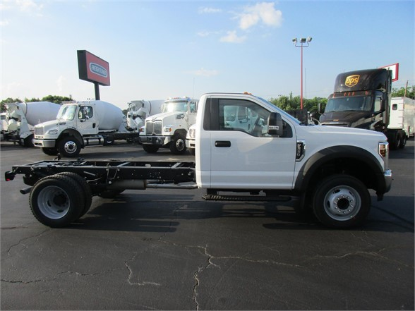 2018 F-550 Regular Cab DRW 4x2,  Cab Chassis #JEC16907 - photo 5