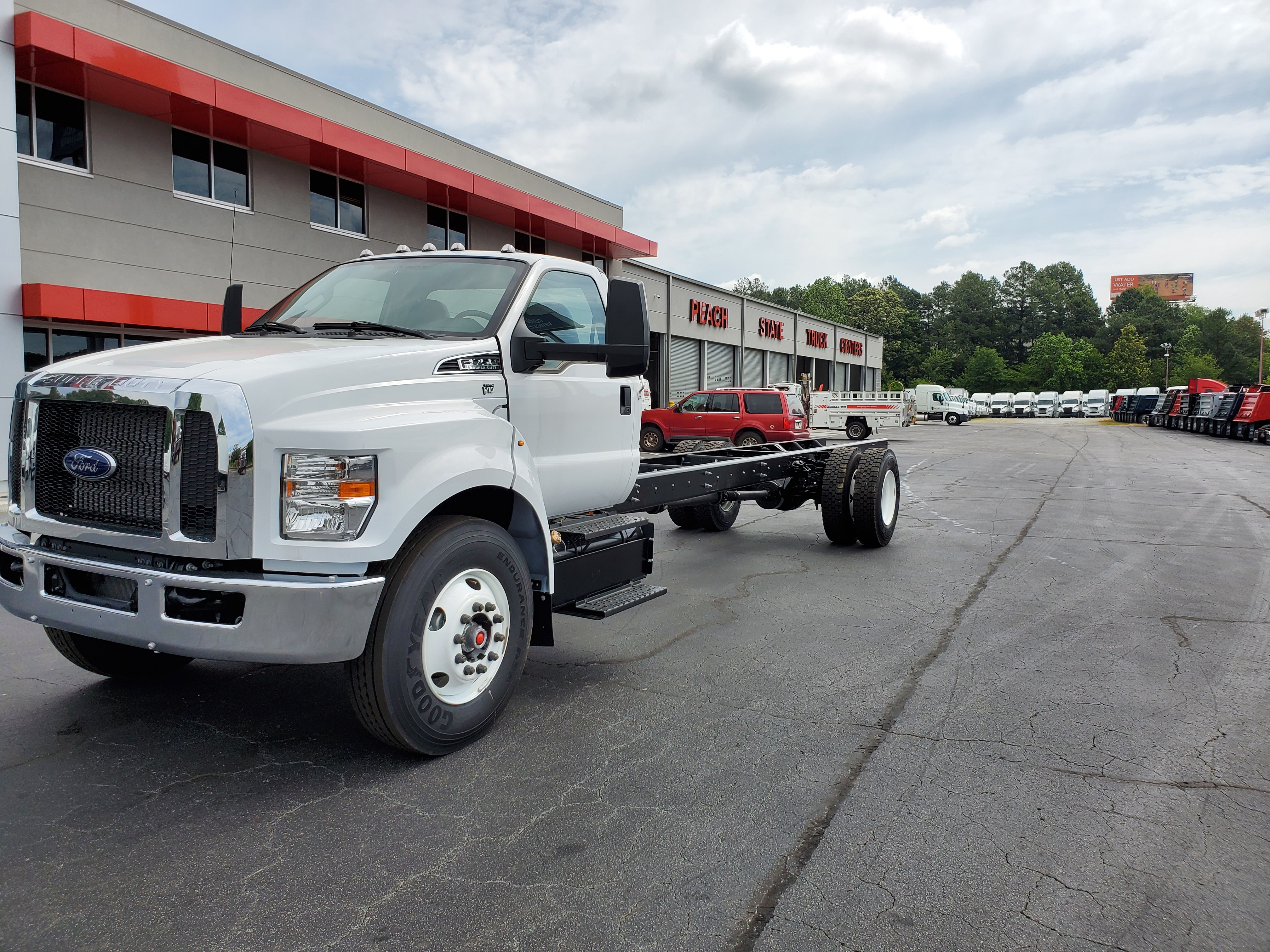 2019 Ford F-750 Regular Cab DRW 4x2, Cab Chassis #KDF14456 - photo 2