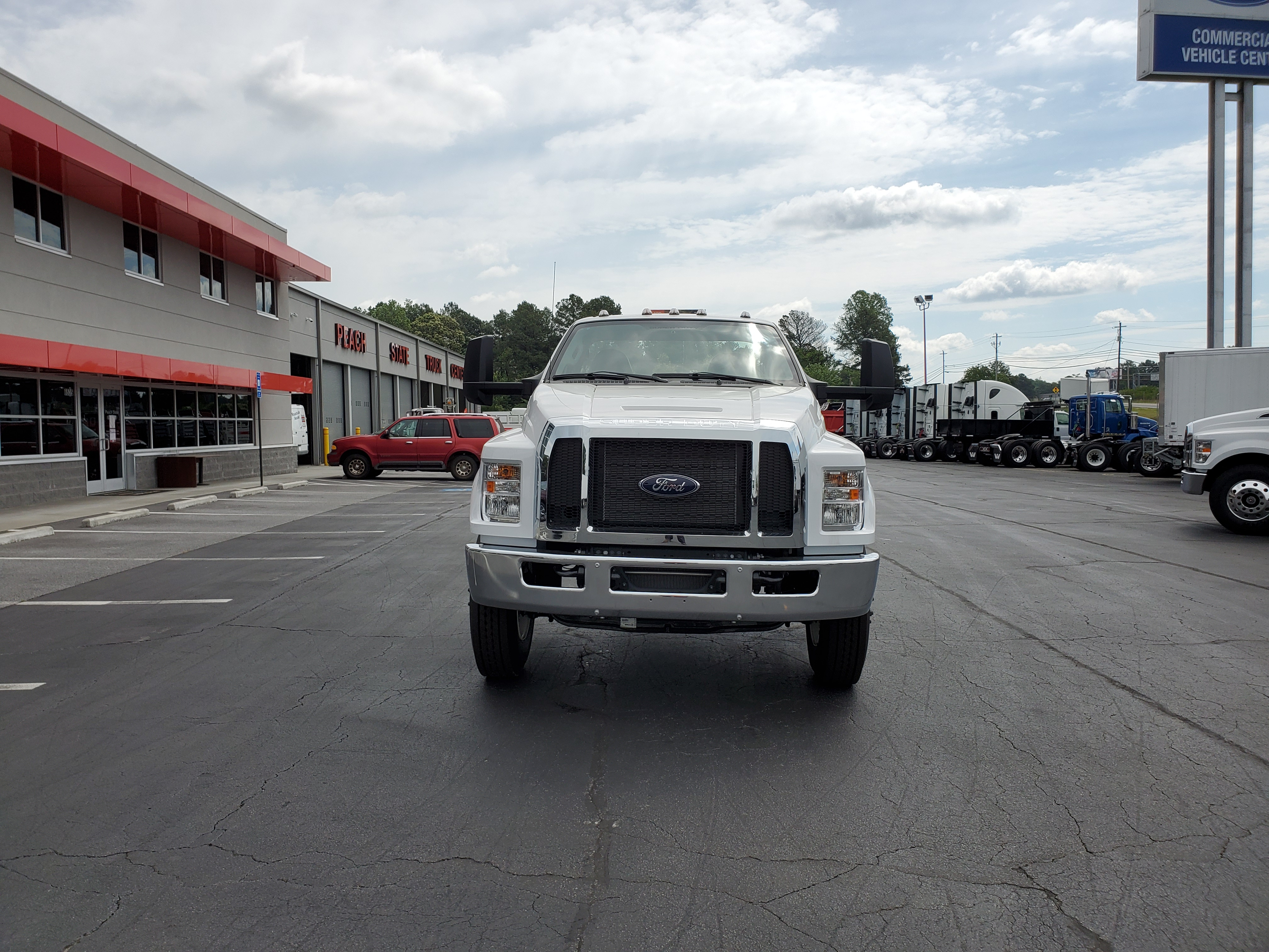 2019 Ford F-750 Regular Cab DRW 4x2, Cab Chassis #KDF14458 - photo 3