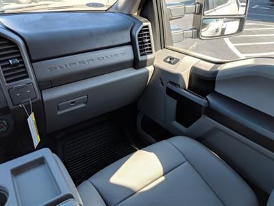 2019 F-450 Crew Cab DRW 4x2,  Commercial Truck & Van Equipment Gooseneck Platform Body #KEC11055 - photo 16