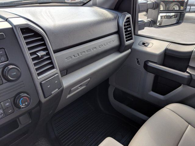 2019 F-550 Regular Cab DRW 4x2, Cab Chassis #KEF60315 - photo 16