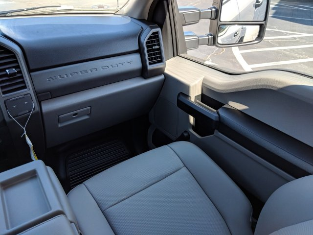 2019 F-350 Crew Cab DRW 4x4, Pickup #KEF82476 - photo 18