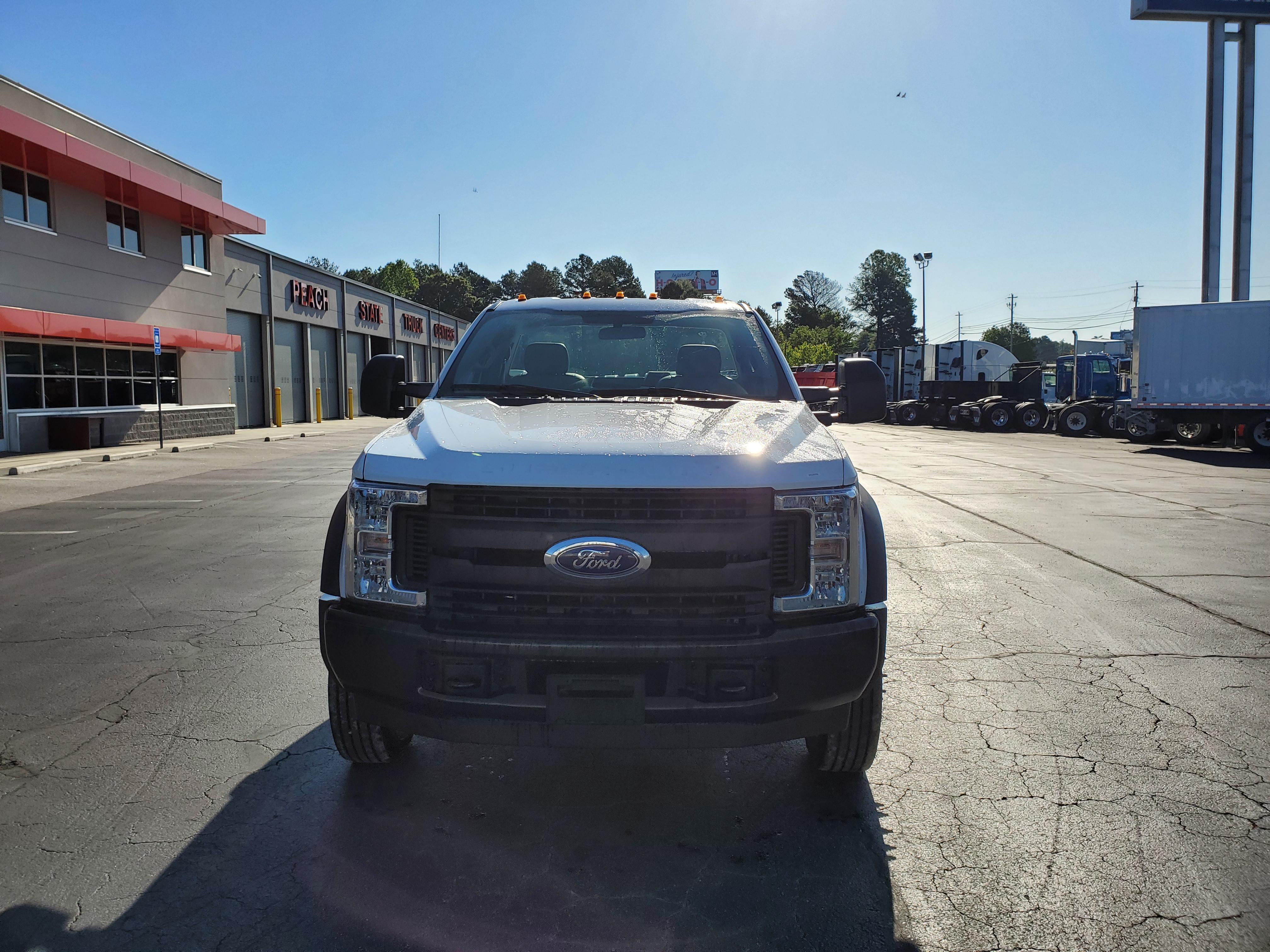 2019 Ford F-450 Regular Cab DRW 4x2, Smyrna Truck Platform Body #KEG06366 - photo 5