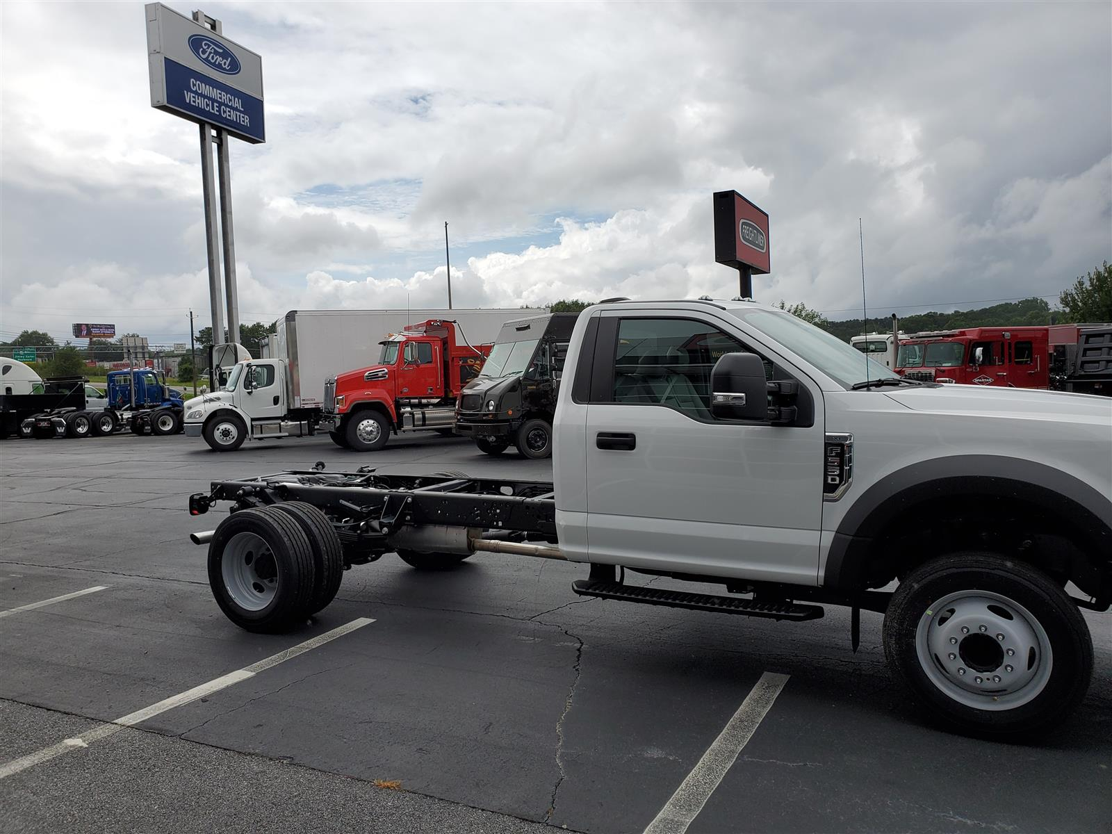 2020 Ford F-550 Regular Cab DRW 4x2, Cab Chassis #LDA06847 - photo 4