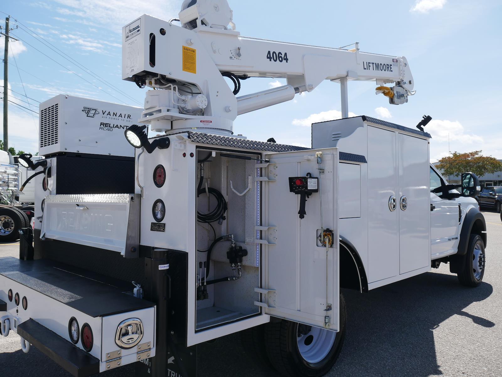 2020 F-550 Regular Cab DRW 4x2, Reading Master Mechanic crane body #LDA14713 - photo 2