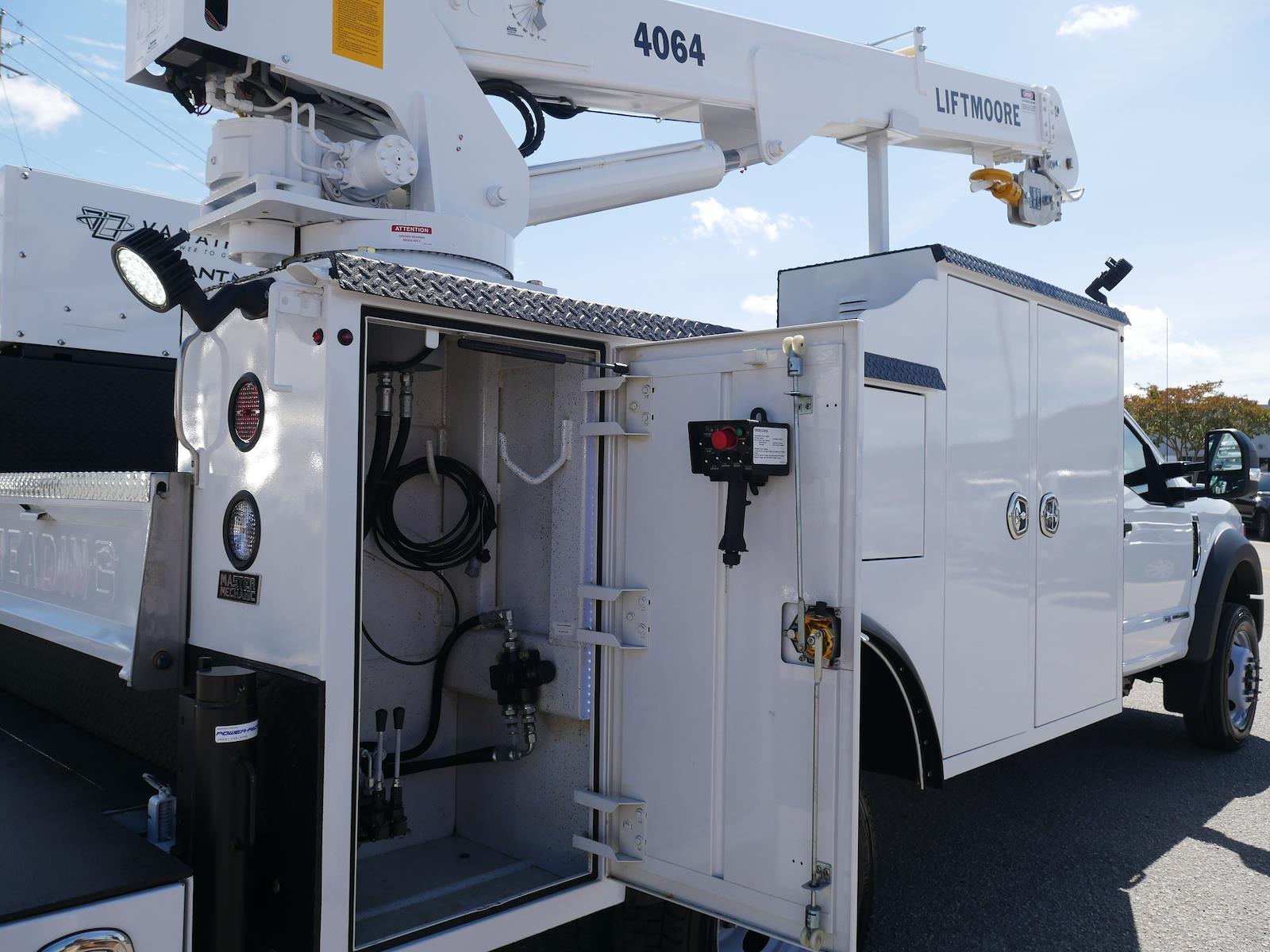 2020 F-550 Regular Cab DRW 4x2, Reading Master Mechanic crane body #LDA14713 - photo 6