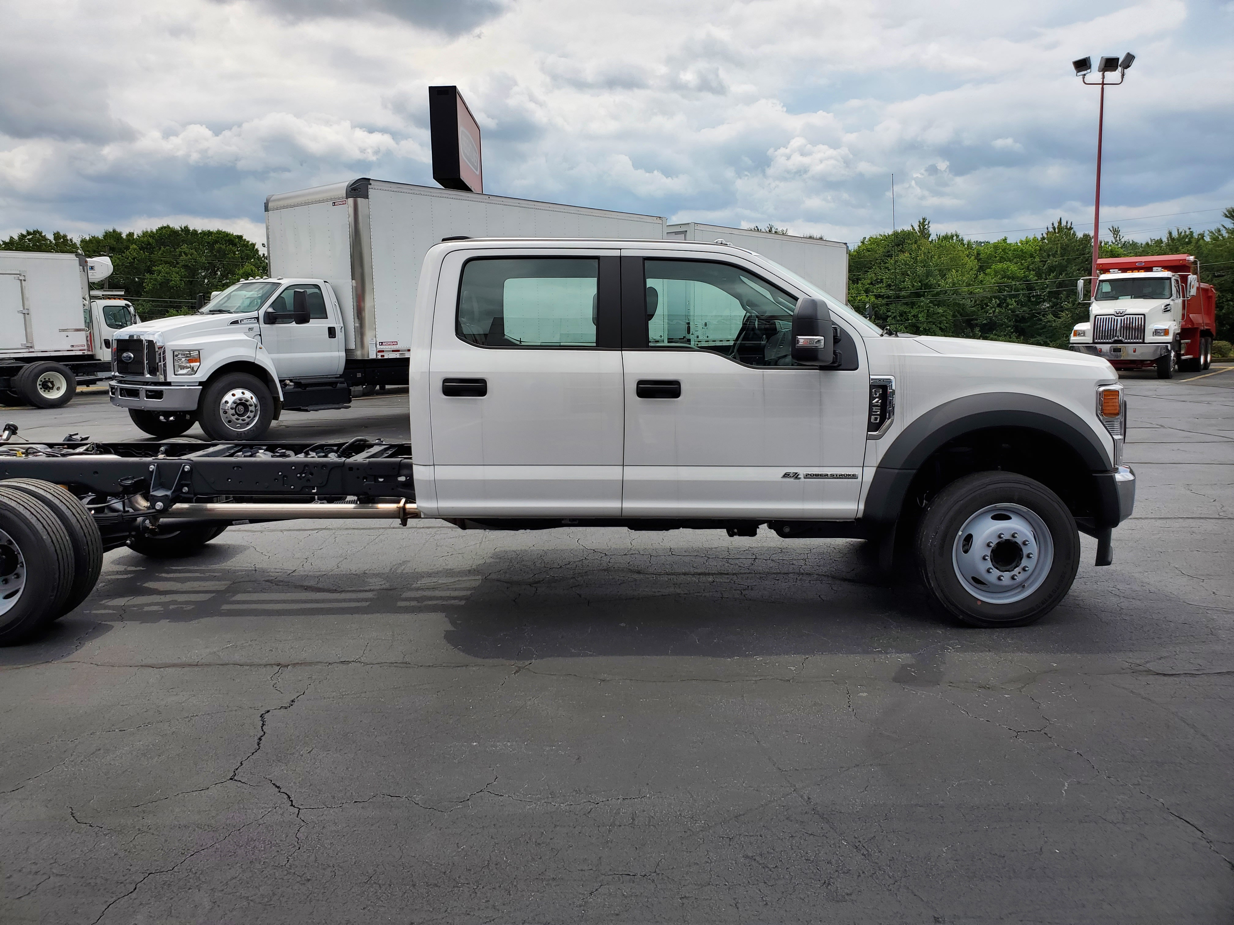 2020 Ford F-450 Crew Cab DRW 4x2, Cab Chassis #LEC54103 - photo 3