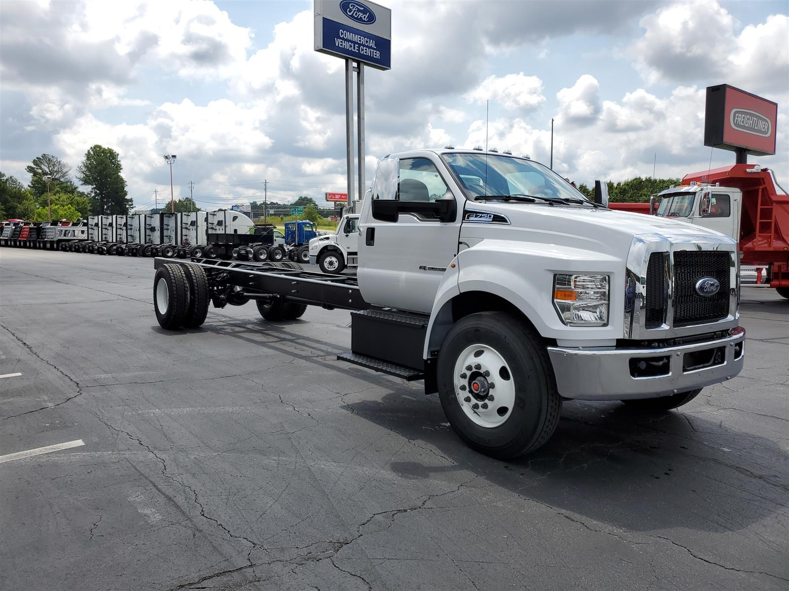 2021 Ford F-750 Regular Cab DRW 4x2, Cab Chassis #MDF02571 - photo 5