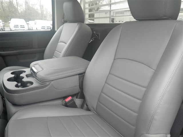 2018 Ram 3500 Regular Cab DRW 4x4,  Platform Body #C18667 - photo 16