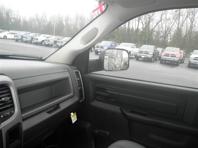 2018 Ram 3500 Regular Cab DRW 4x4,  Platform Body #C18667 - photo 32