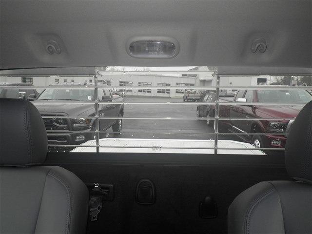 2018 Ram 3500 Regular Cab DRW 4x4,  Platform Body #C18667 - photo 34