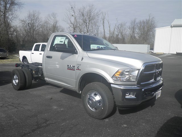 2018 Ram 3500 Regular Cab DRW 4x4,  Cab Chassis #C18682 - photo 7