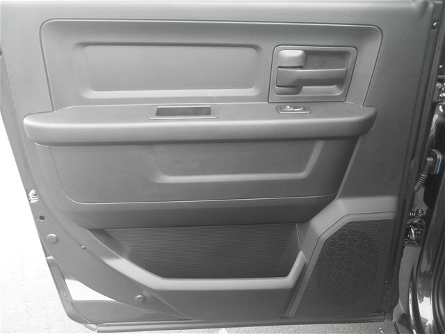 2018 Ram 3500 Crew Cab DRW 4x4,  Platform Body #C18833 - photo 14