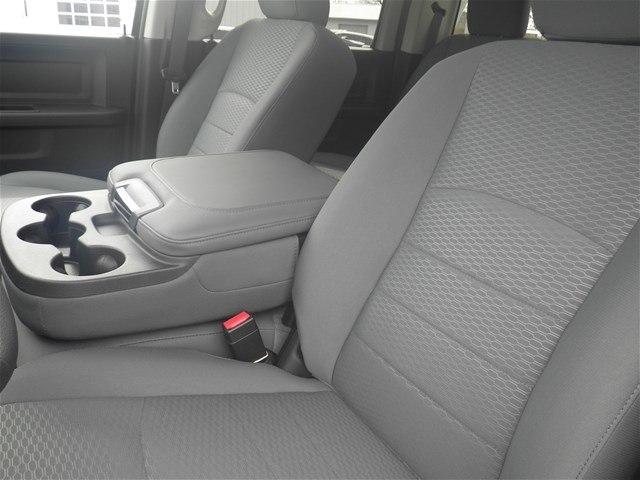 2018 Ram 3500 Crew Cab DRW 4x4,  Platform Body #C18833 - photo 19