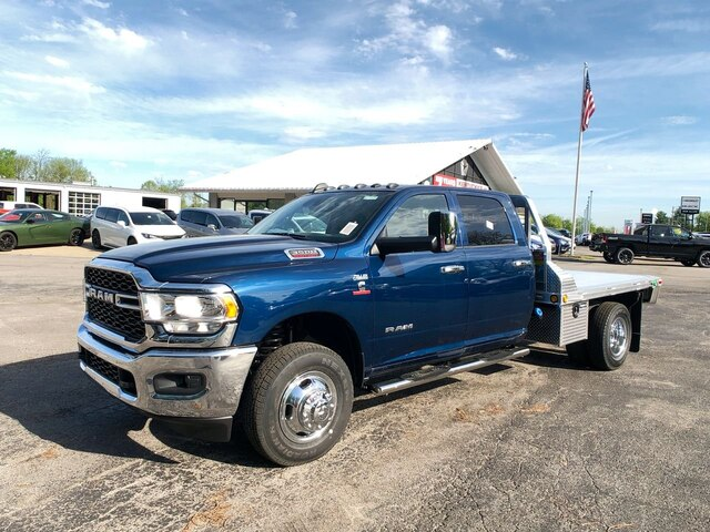 2019 Ram 3500 Crew Cab DRW 4x4,  Hillsboro Platform Body #C19206 - photo 1