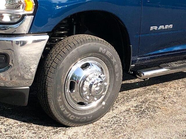 2019 Ram 3500 Crew Cab DRW 4x4,  Hillsboro 2000 Series Aluminum Platform Body #C19206 - photo 10