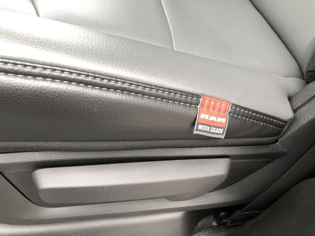 2019 Ram 3500 Crew Cab DRW 4x4,  Cab Chassis #C19217 - photo 16
