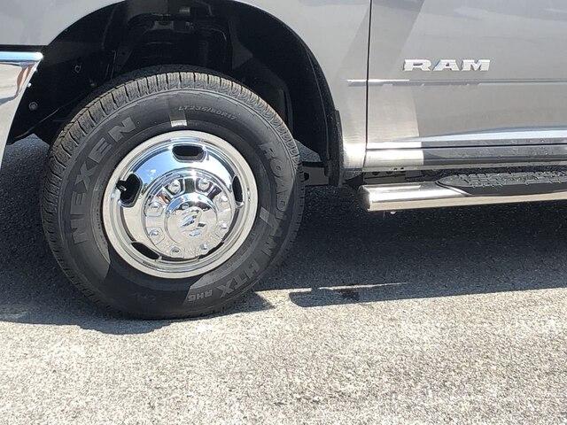 2019 Ram 3500 Crew Cab DRW 4x4,  Cab Chassis #C19234 - photo 10