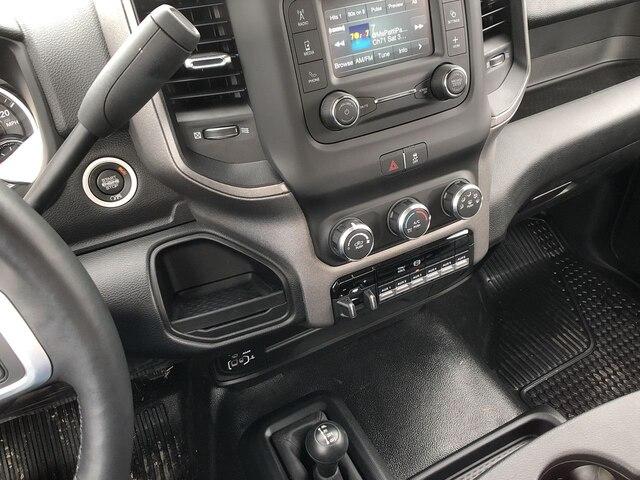 2019 Ram 3500 Regular Cab DRW 4x4, Hillsboro Platform Body #C19495 - photo 19