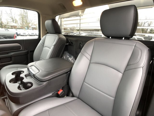 2019 Ram 3500 Regular Cab DRW 4x4, Platform Body #C19498 - photo 14